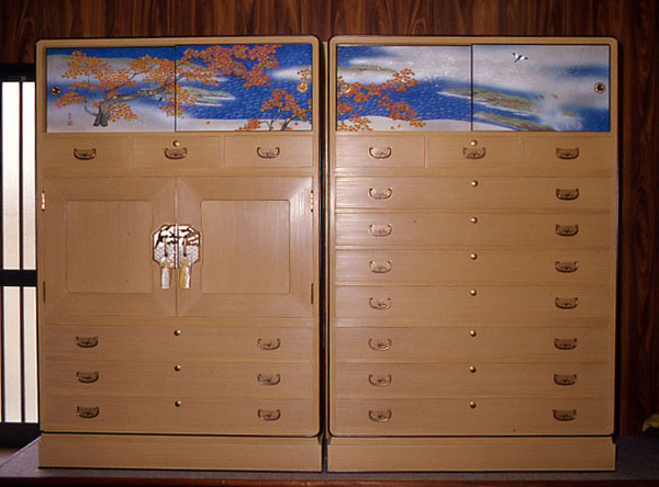 Nagoya traditional paulownia chest