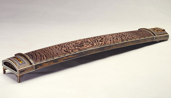 Fukuyama traditional music instrument : Koto