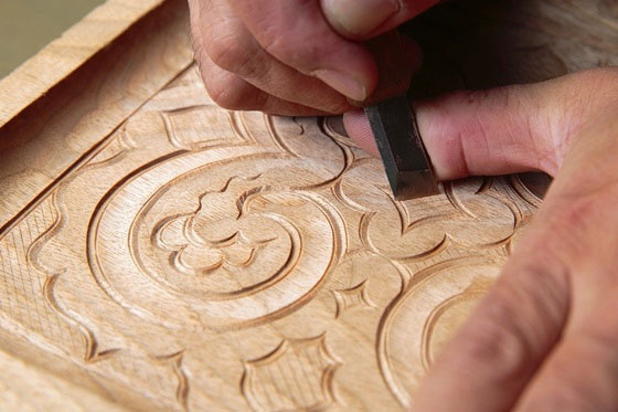 Nibutani carved wooden tray - General Production Process