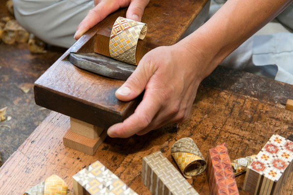 Hakone wood mosaic - General Production Process